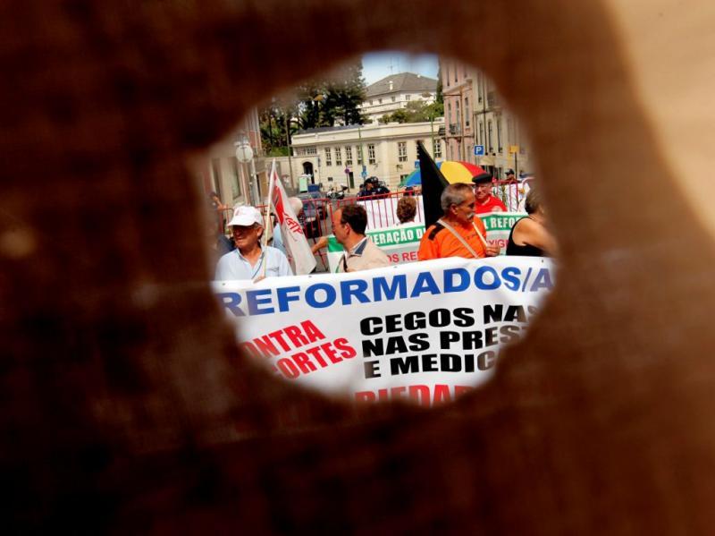 Protesto de reformados em São Bento (TIAGO PETINGA/LUSA)
