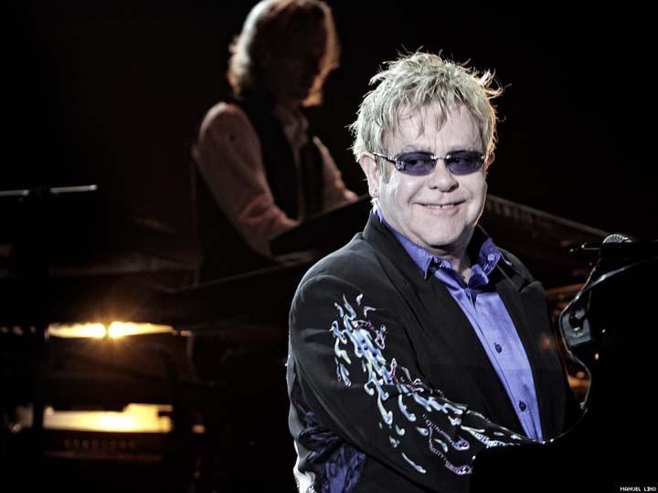 4º Elton John (músico): 72,8 milhões de euros num ano