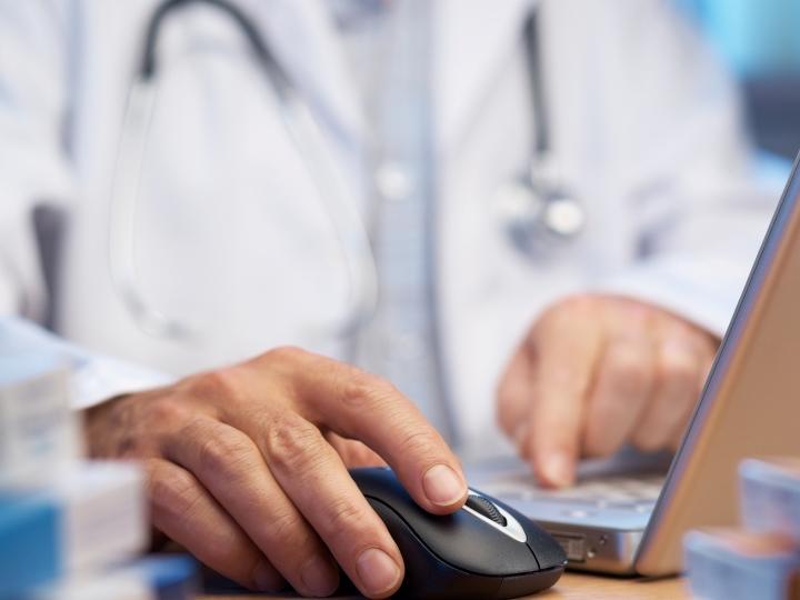 Receitas médico (istockphoto)