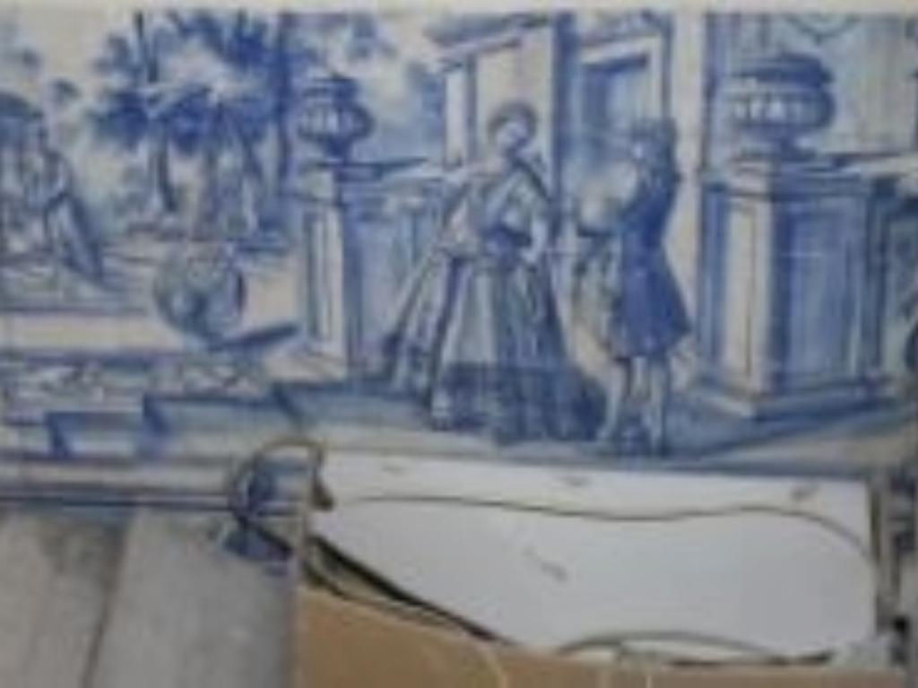 Roubou azulejos antigos de um prédio devoluto (Foto cedida pela PJ)
