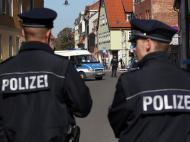 Polícia atenta durante missa do Papa [Reuters]