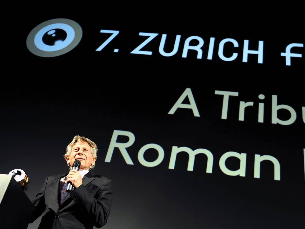 Roman Polasnki recebe prémio de carreira no Festval de Zurique (EPA/Walter Bieri)