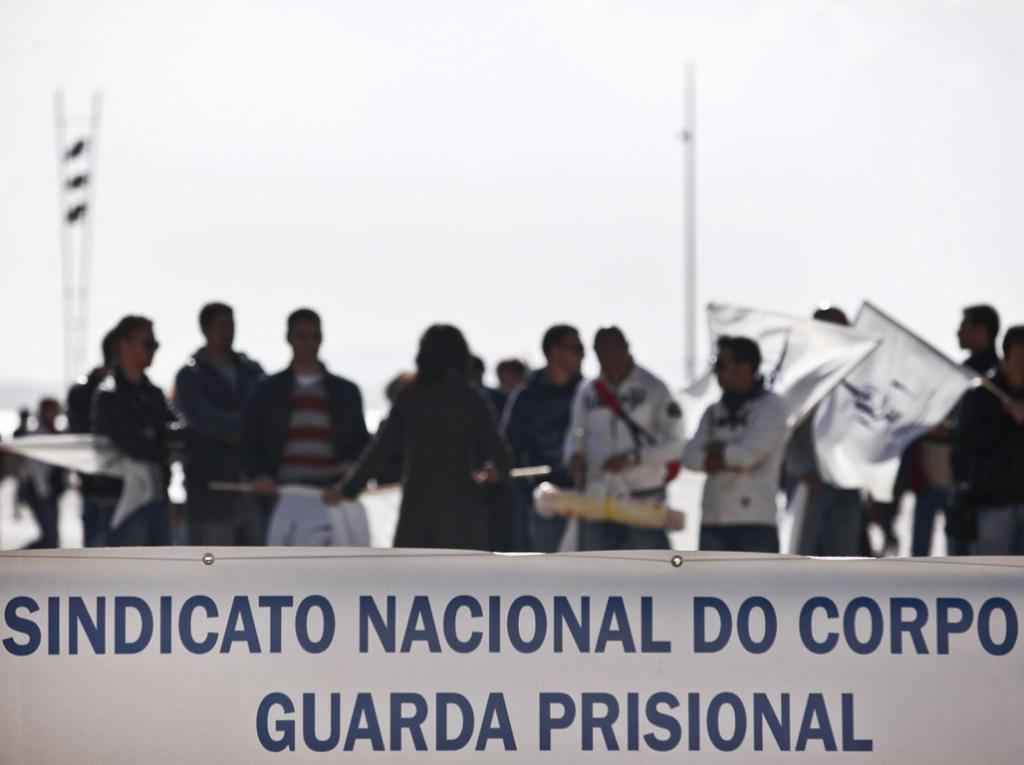 Guardas prisionais em vigília (Mário Cruz/Lusa)