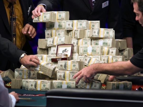 iol incontri online poker Battipaglia
