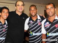 Ricardo Gomes com Fellipe Bastos (FOTO: vasco.com.br)