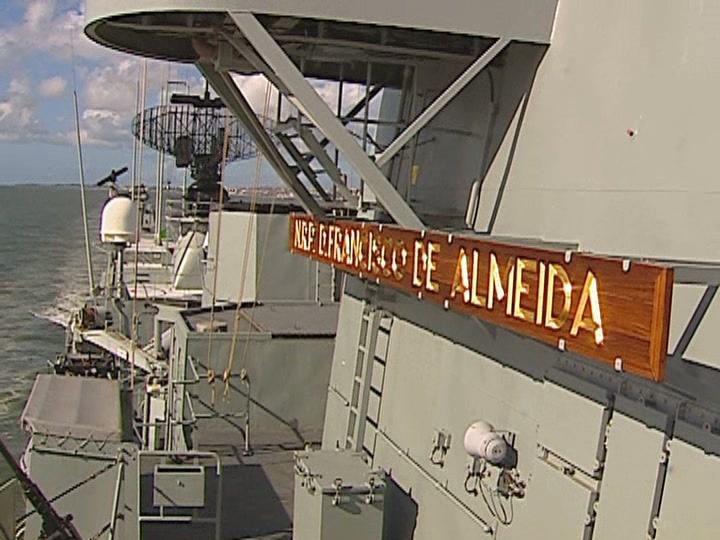 Fragata portuguesa regressa da Somália