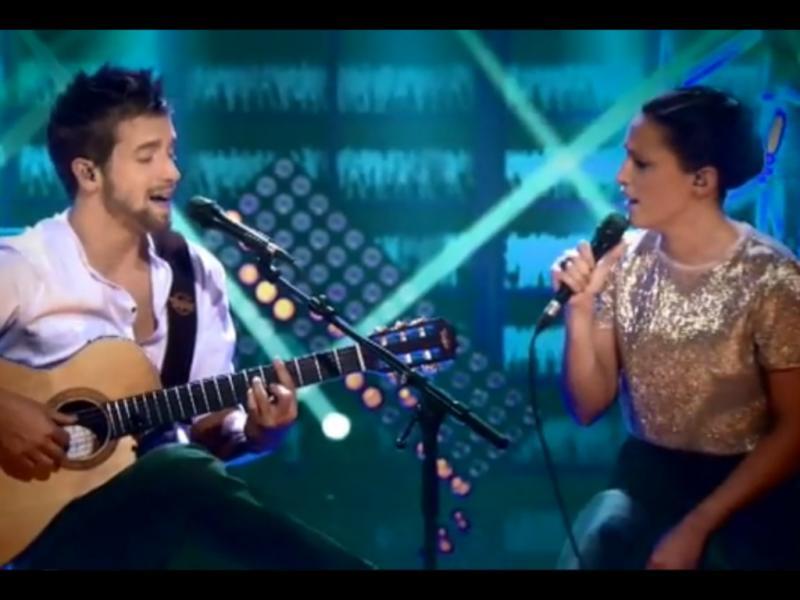 Pablo Alborán e Carminho no vídeo de «Perdóname»