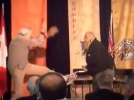 Joe Kapp e Angelo Mosca trocam agressões