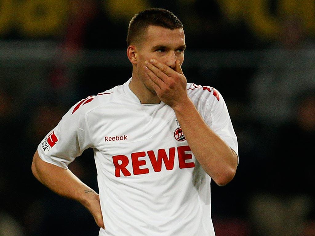 Podolski diz que tem várias propostas para deixar o Colónia