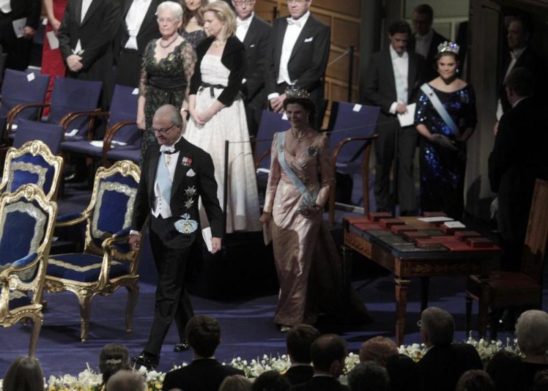 Rei Carl Gustaf e Rainha Silvia - Entrega dos prémios Nobel em Estocolmo Fotos: Reuters