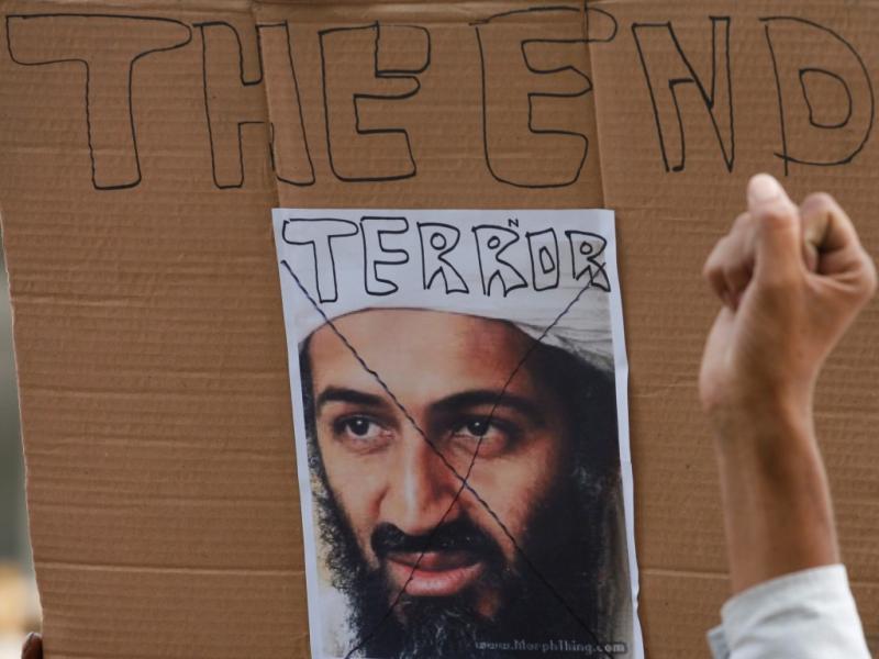 Demonstrações de alegria após a notícia da morte de Osama bin Laden (foto Reuters)