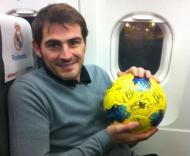 Casillas e a bola do Sevilha-Real Madrid