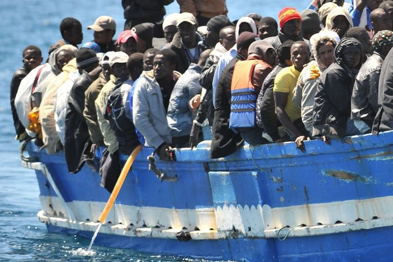 Best of Abril 2011: Imigrantes chegam a Lampedusa, na Itália