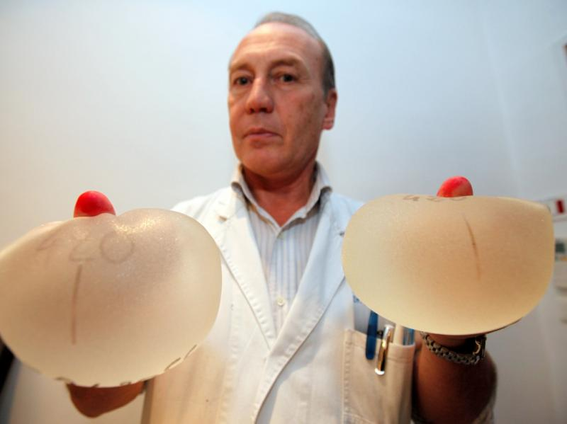 30 mil mulheres chamadas para retirar implantes [Reuters]