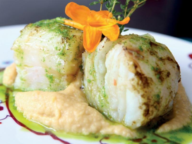 Bacalhau lascado com puré de grão
