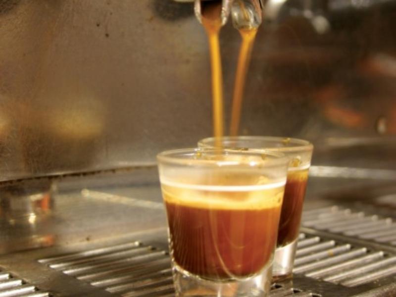 Bebidas muito quentes podem causar cancro no esófago