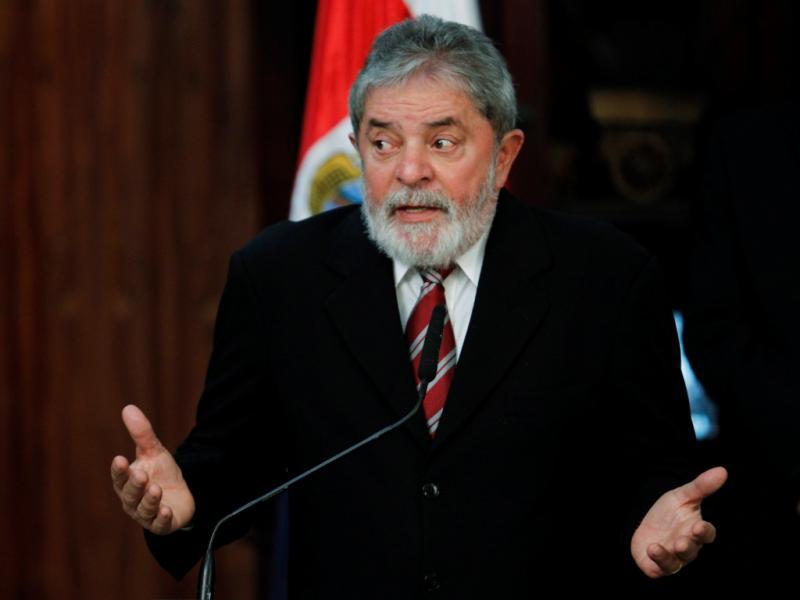 Amem a Dilma como vocês me amaram (Lula da Silva, na tomada de posse da sua sucessora 01-01-2011)