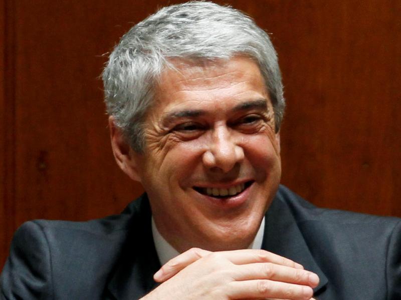 Eu adoro-vos (José Sócrates, despedindo-se dos militantes na reunião da Comissão Nacional 07-06-2011)