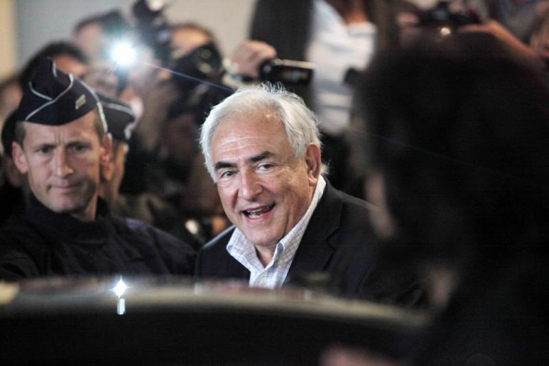 Best of Setembro 2011: Dominique Strauss-Kahn chega a França depois do escândalo em Nova Iorque (EPA/MAXPPP/OLIVIER CORSAN )