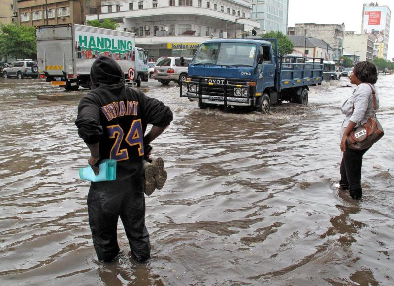 Mau tempo em Moçambique [EPA/ANTONIO SILVA]