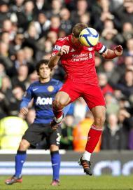 Liverpool-Manchester United: Gerrard mais alto