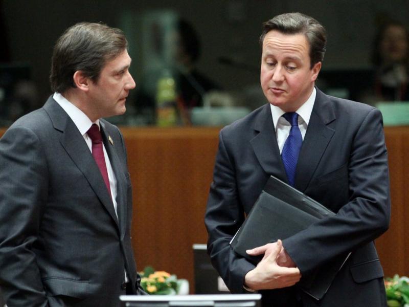 Conselho Europeu: Passos Coelho com David Cameron