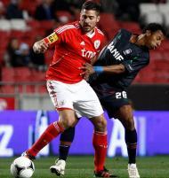Javi Garcia e João Luiz no Benfica-Marítimo (LUSA/Paulo Cordeiro)