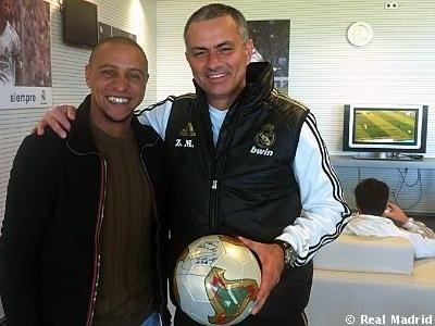 Roberto Carlos visita Real Madrid