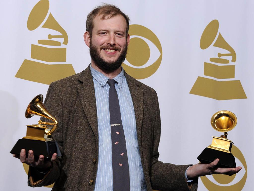 Bon Iver nos Grammy Awards 2012 (EPA/Paul Buck)