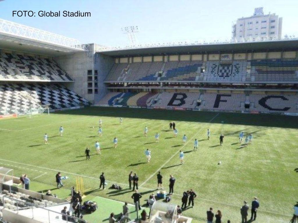Man. City no Estádio do Bessa (FOTO: Global Stadium)