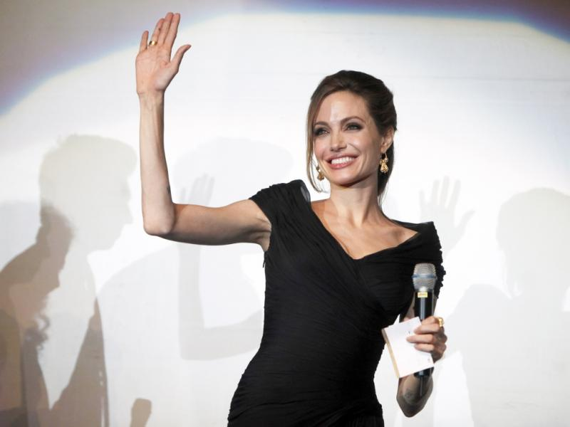 Angelina Jolie apresenta filme na Bósnia (Reuters)