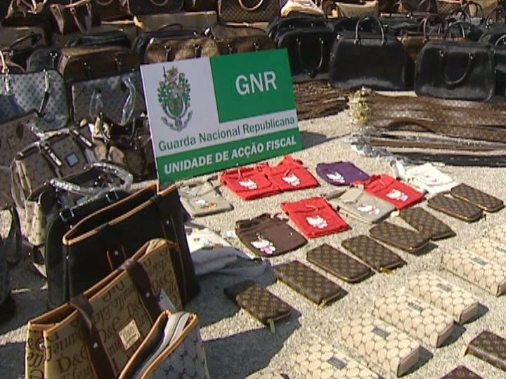 GNR apreende 300 mil euros em malas de imitação