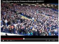 Adeptos cantam por Mourinho