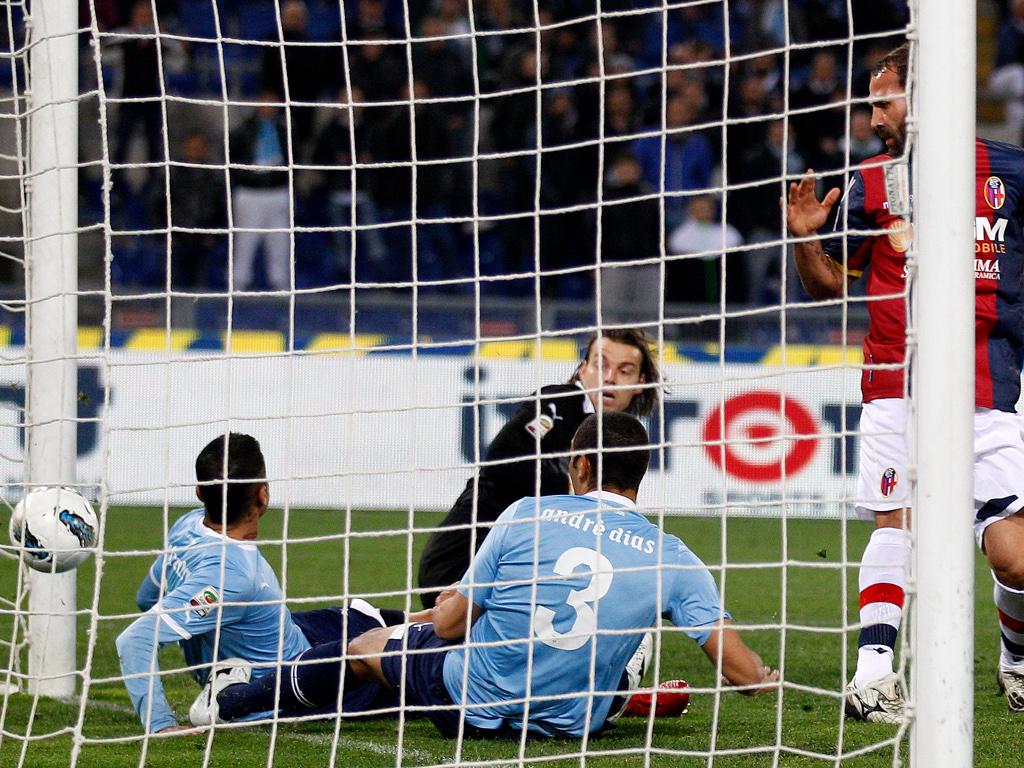 Lazio caiu na luta pelo título no Olímpico por culpa do Bolonha (1-3) [EPA]