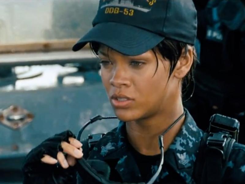 Rihanna no novo trailer de «Batalha Naval»