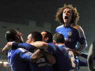 David Luiz na festa do Chelsea (REUTERS/Juan Medina )