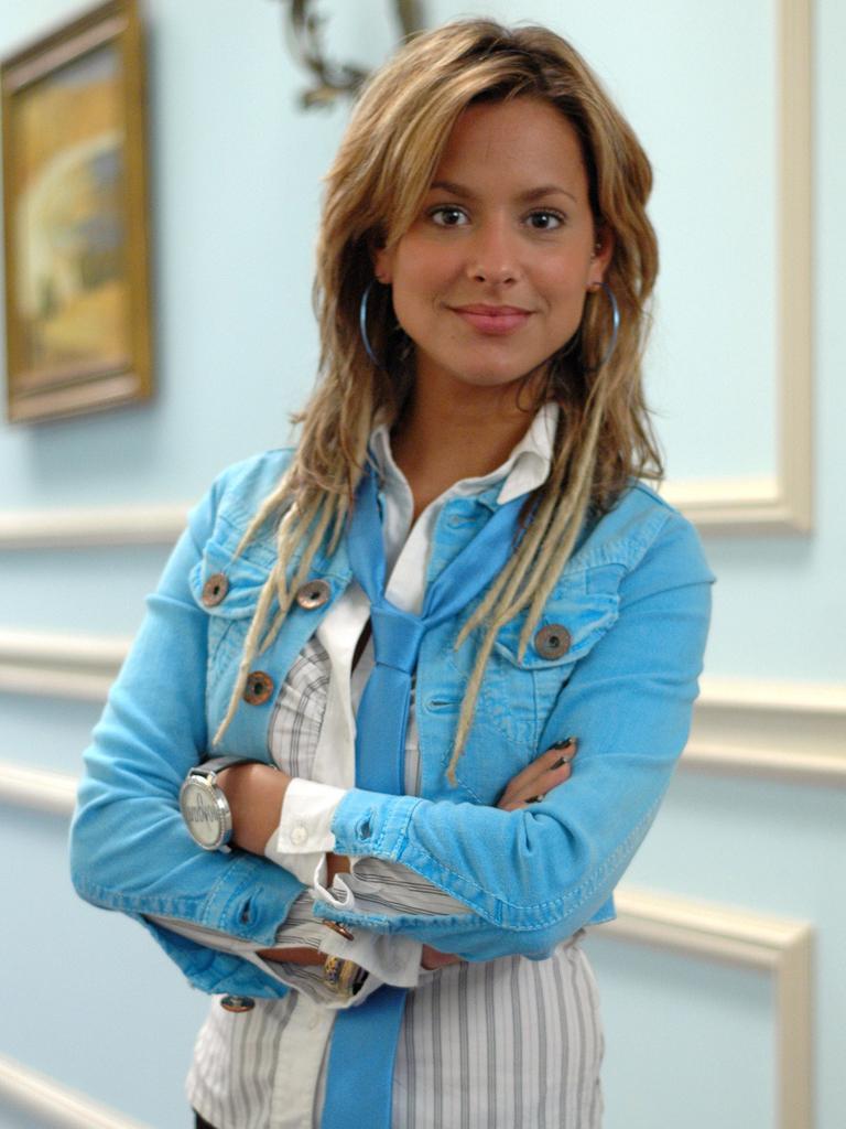 b13a23ada64 39 265 - Mariana Monteiro na novela Doce Fugitiva em 2006