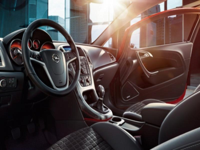 Automóveis: nova versão do Astra GTC