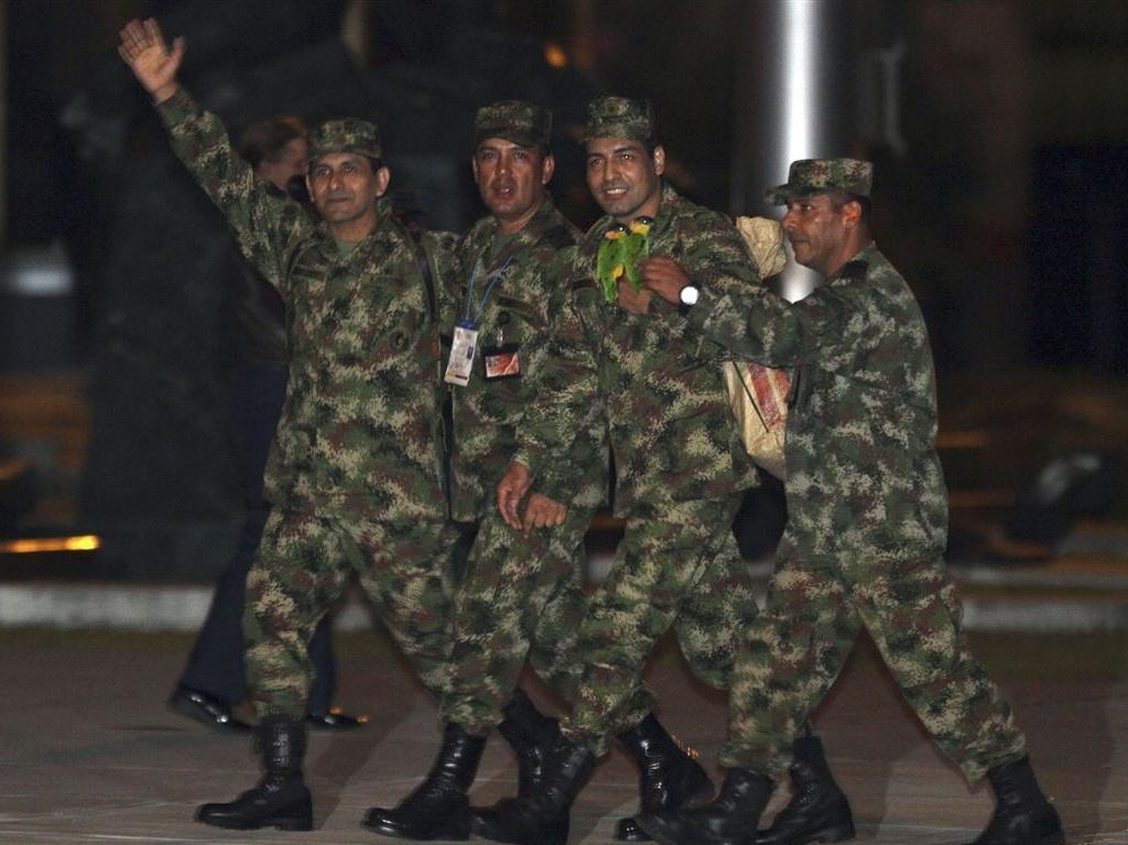 Libertados reféns das FARC (REUTERS)
