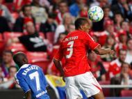 Ramires vs Emerson (Jose Manuel Ribeiro / Reuters)