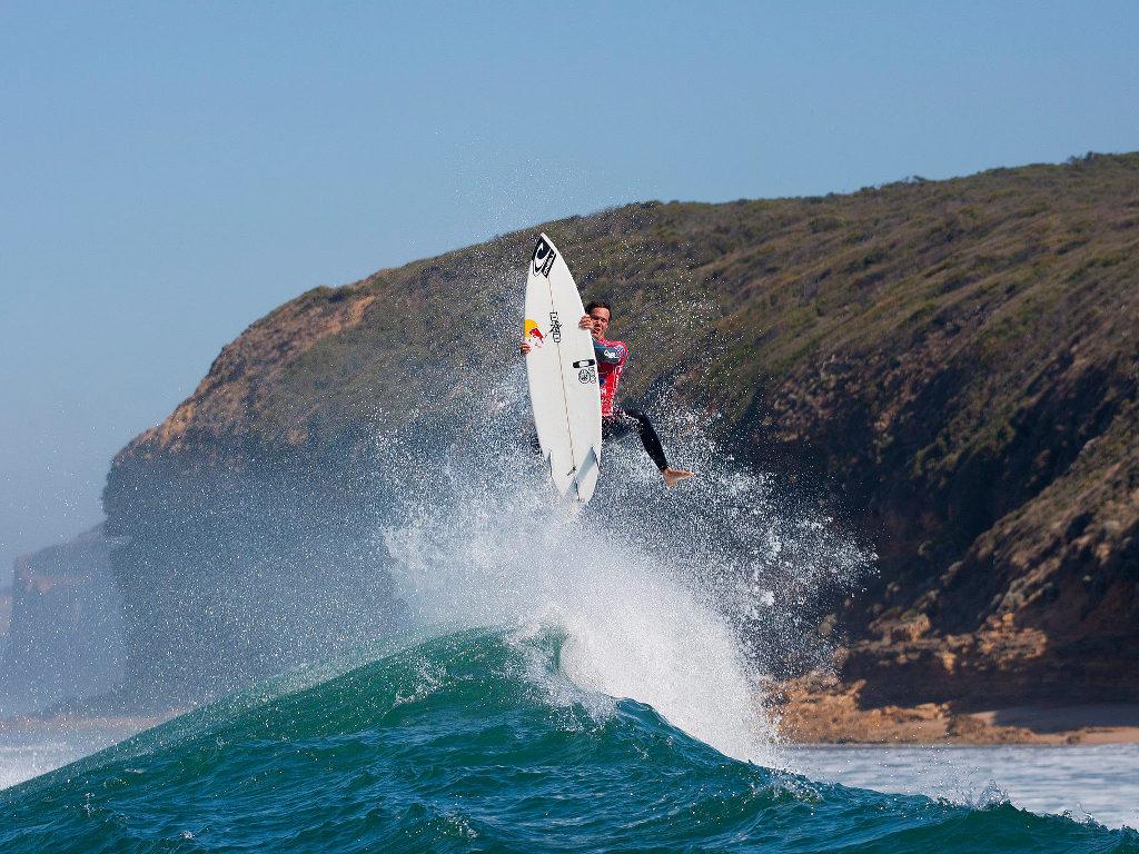 As imagens fantásticas do Rip Curl Bells Beach, em Torquay, Austrália (EPA)