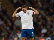 Steven Gerrard (Liverpool/Inglaterra), médio, 31 anos [REUTERS/Eddie Keogh]