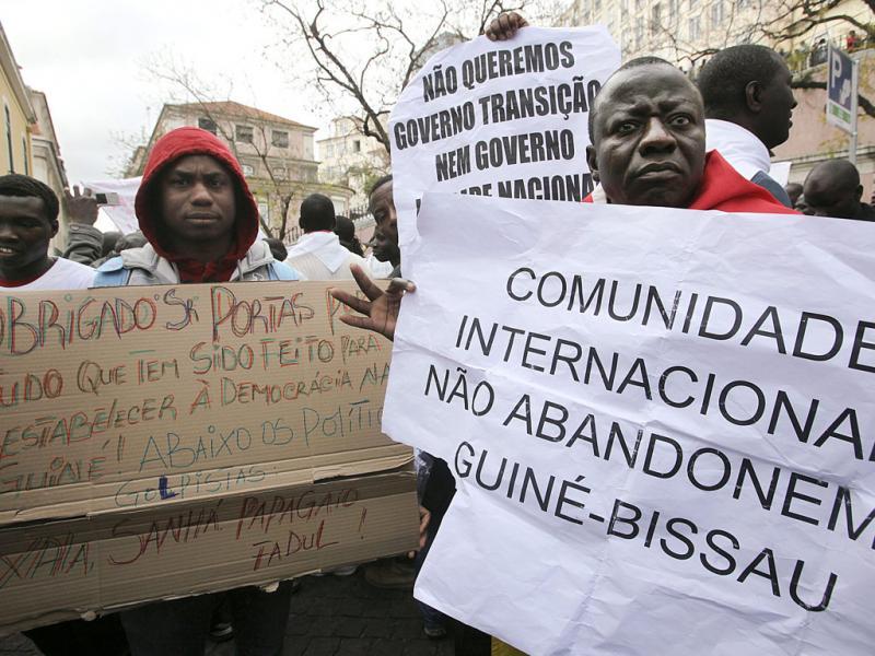 Manifestantes guineenses em Lisboa (Tiago Petinga/Lusa)