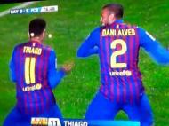 O festejo polémico de Dani Alves e Thiago
