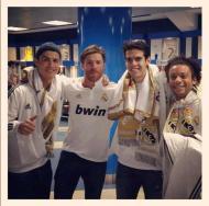 Plantel do Real Madrid prepara-se para a festa (twitter Kaká)