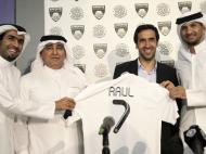 Raul apresentado no Al-Sadd, do Qatar (Reuters/Fadi Al-Assaad)