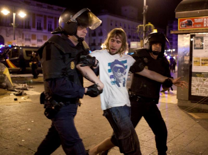 Indignados regressam à Puerta del Sol (REUTERS)