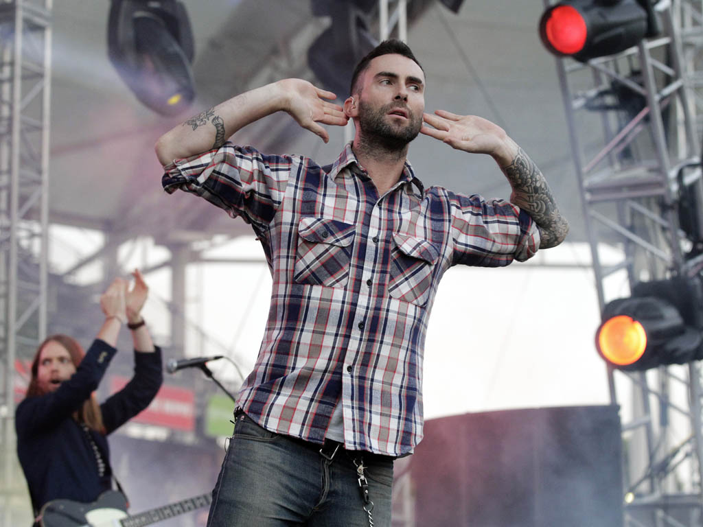 Adam Levine no festival Wango Tango 2012 na Califórnia (Mario Anzuoni)