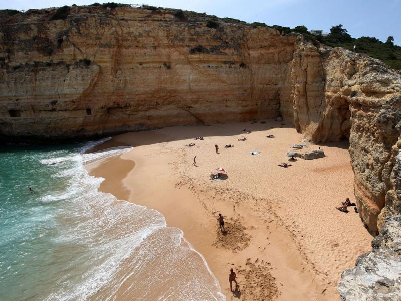 Praia do Carvalho - Risco de queda de arribas (LUÍS FORRA)