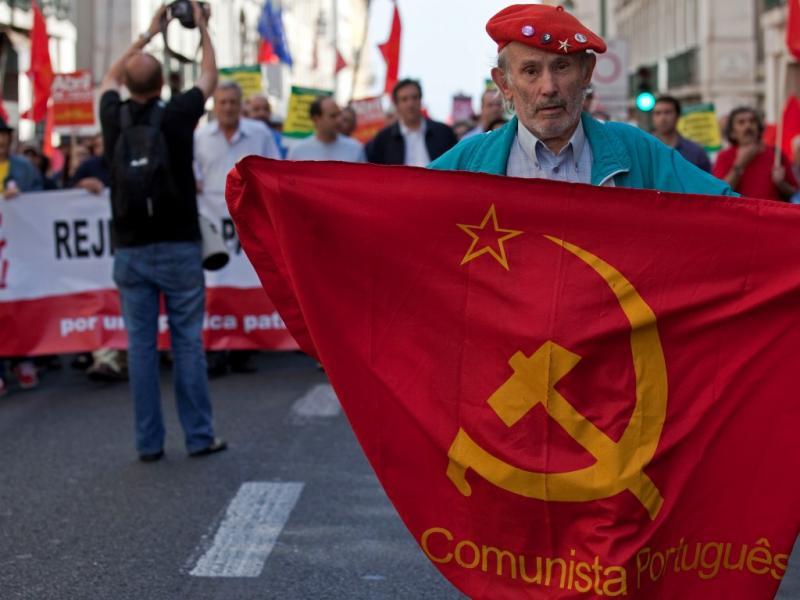 Manifestação do PCP em Lisboa (LUSA)
